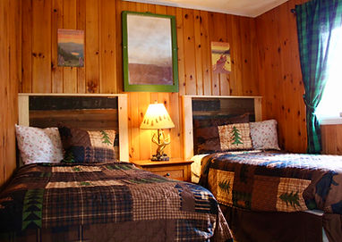 two bedroom cabin with kitchen near the lake at the sundowner on the lake in lake george ny