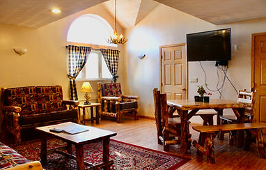 one bedroom apartment at the sundowner on lake george, a hotel in lake george, ny with apartments