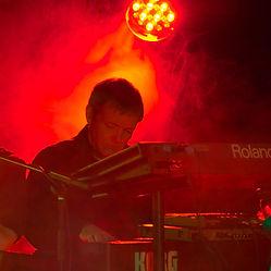 Andy Dyehouse Keyboards & Saxophone