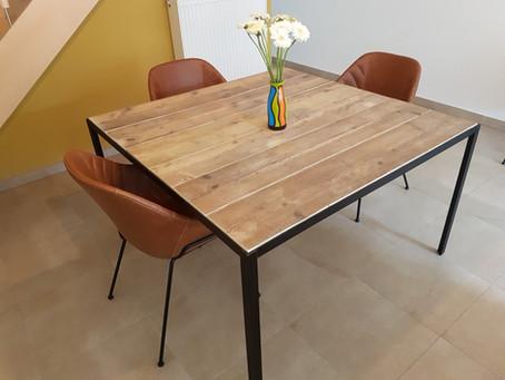 3 pièces de mobilier pour un salon remis à neuf