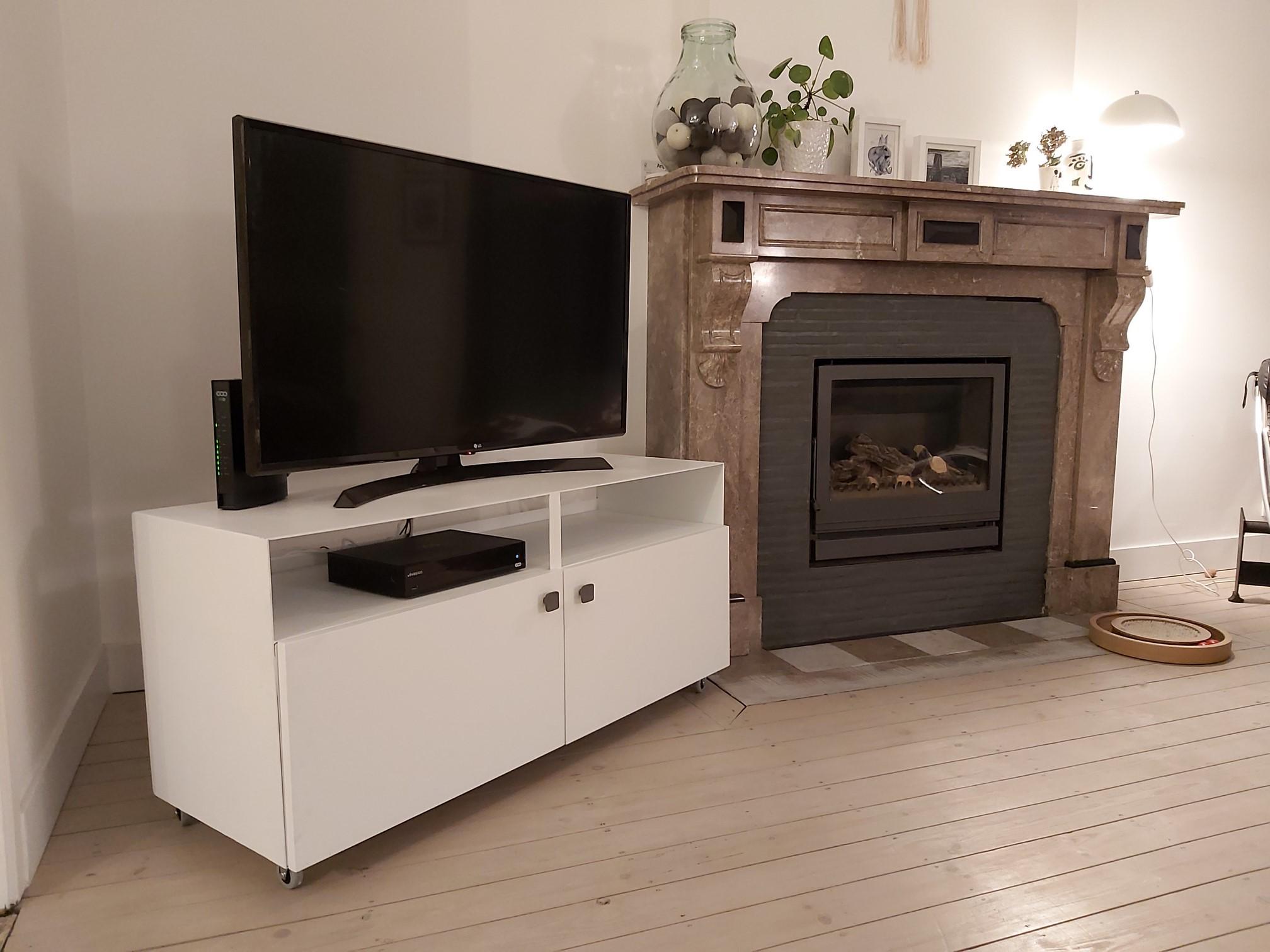 Axel Rons - Meuble TV blanc