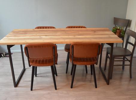 Création d'une première table de salle à manger avec pieds amovibles