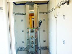 Bathroom with hidromasage