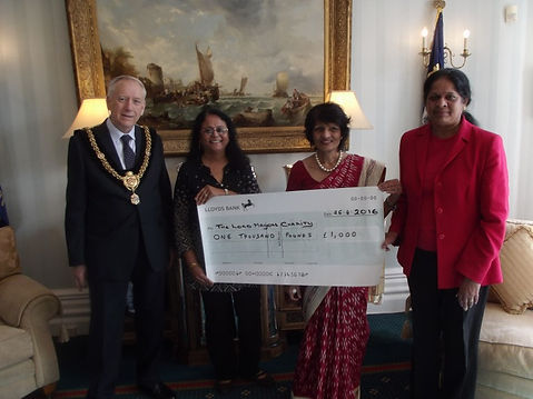 charity-cheque-presentation-meena-vimla-
