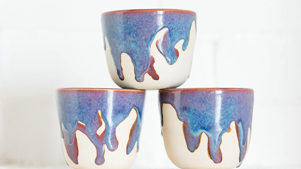 white drip cup set