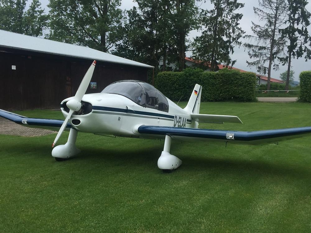 Avion école DR220