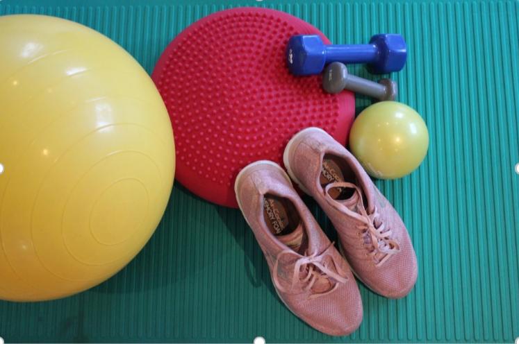 lessen cardio en core stability, telkens op maandag. Toegankelijk voor iedereen die aan zijn of haar conditie wil werken. 2 mogelijkheden. Workout 1  20.30u - 21.30u  en Workout 2: 19.15u - 20.15
