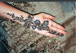 Simple Bridal Henna Tattoo