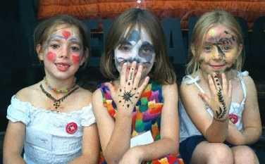 Kids Hands Henna Pattern