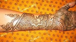 Henna Artist Indian