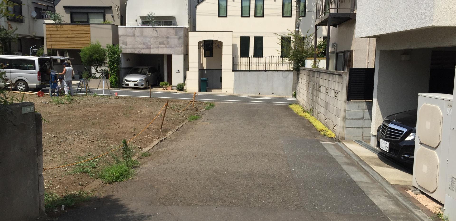 弦巻(前面道路).JPG