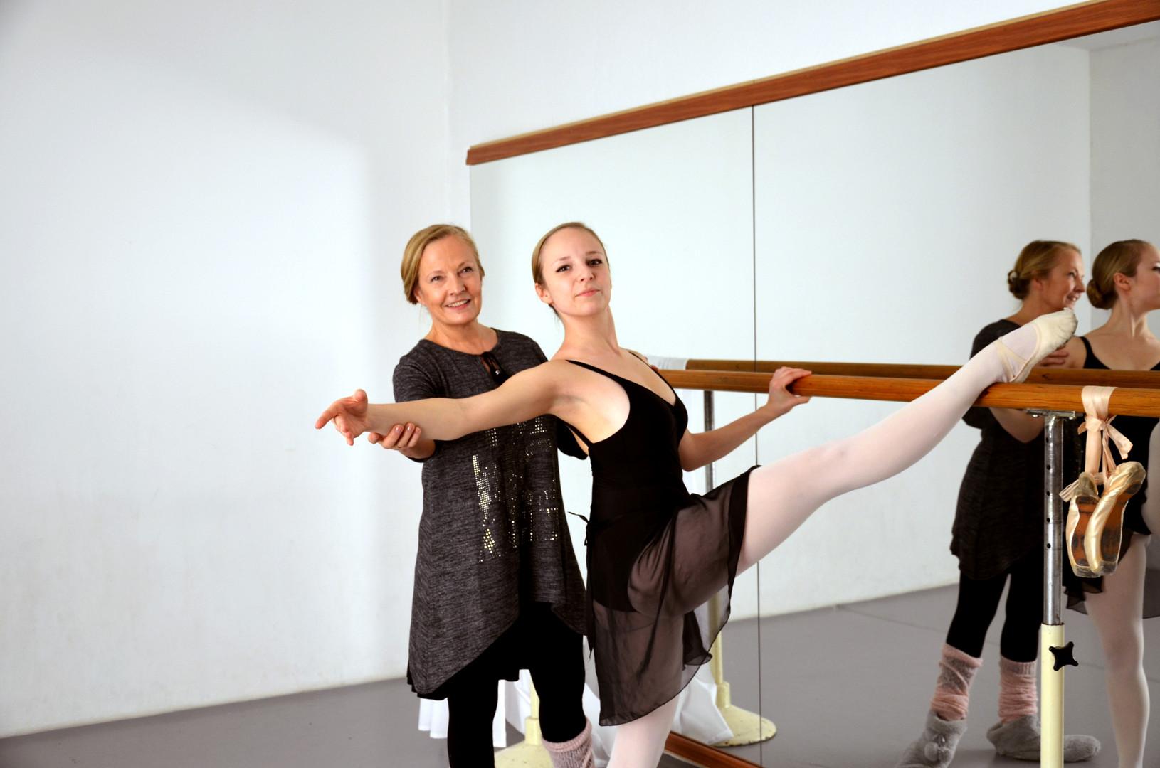 Leiterin der Vereinigten Ballettschulen Katri Frühmann mit Tochter Leena