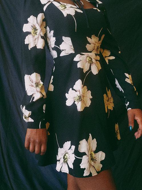 Floral Dress w/ Bubble Sleeve