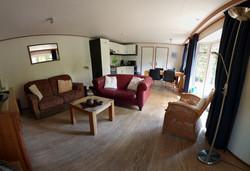 Panporamabeeld woonkamer en keuken