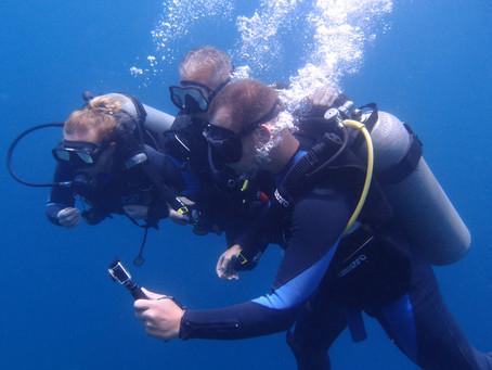 Le baptême de plongée : à la découverte du monde sous-marin