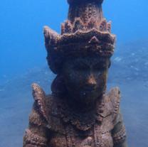 Bali underwater statue - Statue sous l'eau