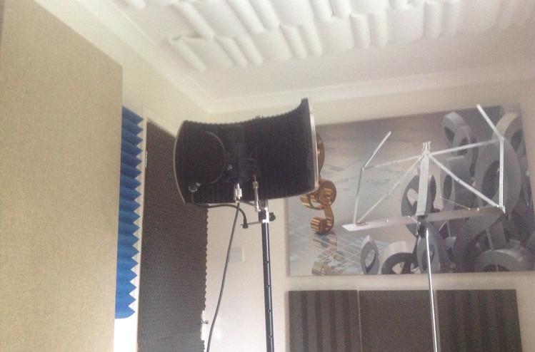 Comfortable vocal room