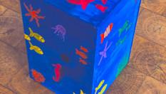 cajon acryl blau