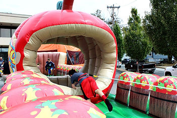 Bungee | Bobbing For Apples
