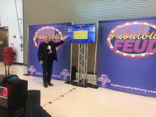 game-show-host-2jpg