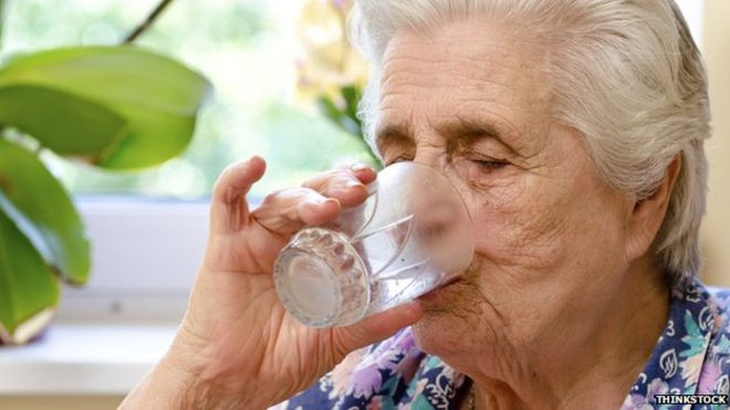 How to keep the elderly hydrated