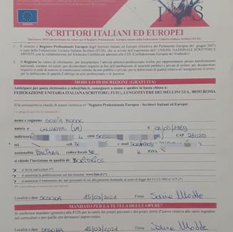 Autrice iscritta al Registro Professionale Europeo degli Scrittori/Autori