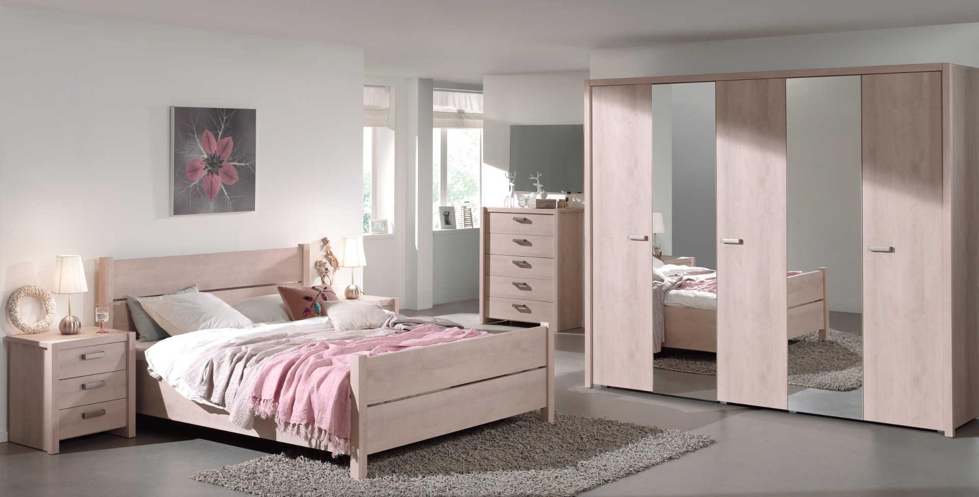 Iliana River Oak Bedroom Pic1