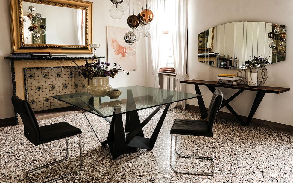 Skorpio Glass Table Pic7