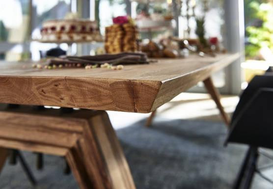 Sanford Table Pic7