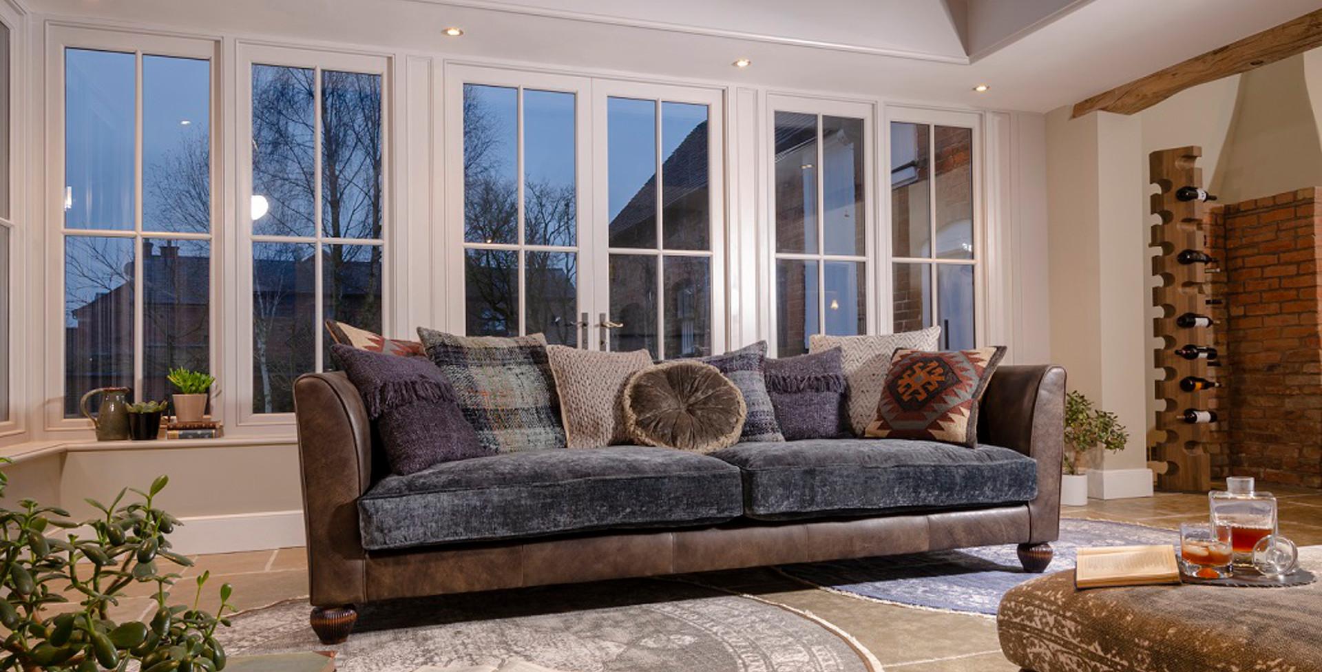 Lowry Sofa Pic3