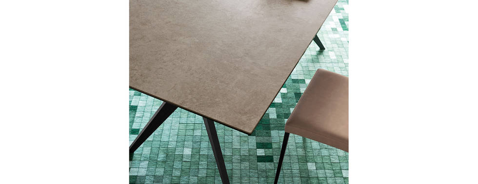 Kent Table Pic3
