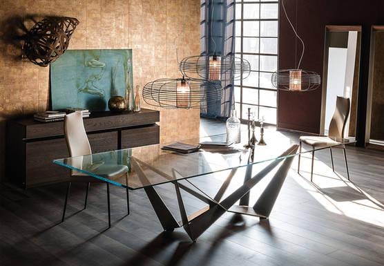Skorpio Glass Table Pic2