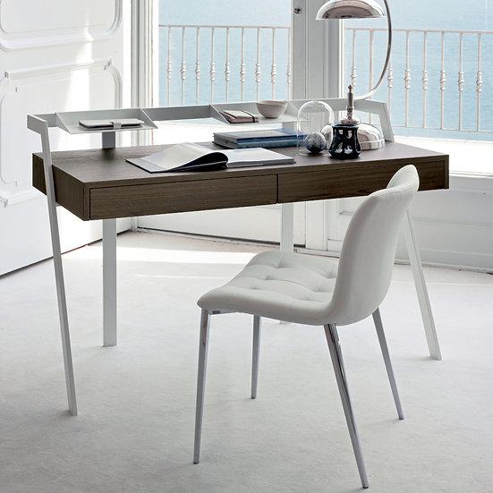 Zac Desk