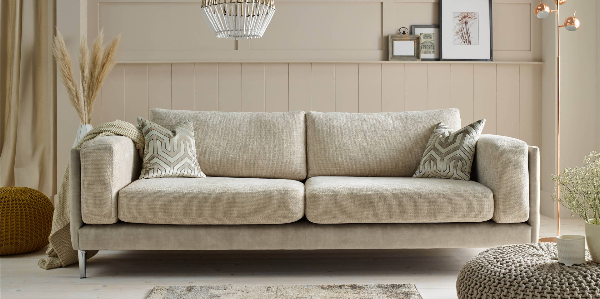 Sloan Sofa Pic1