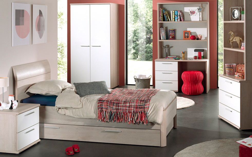 Dena Bedroom Pic2