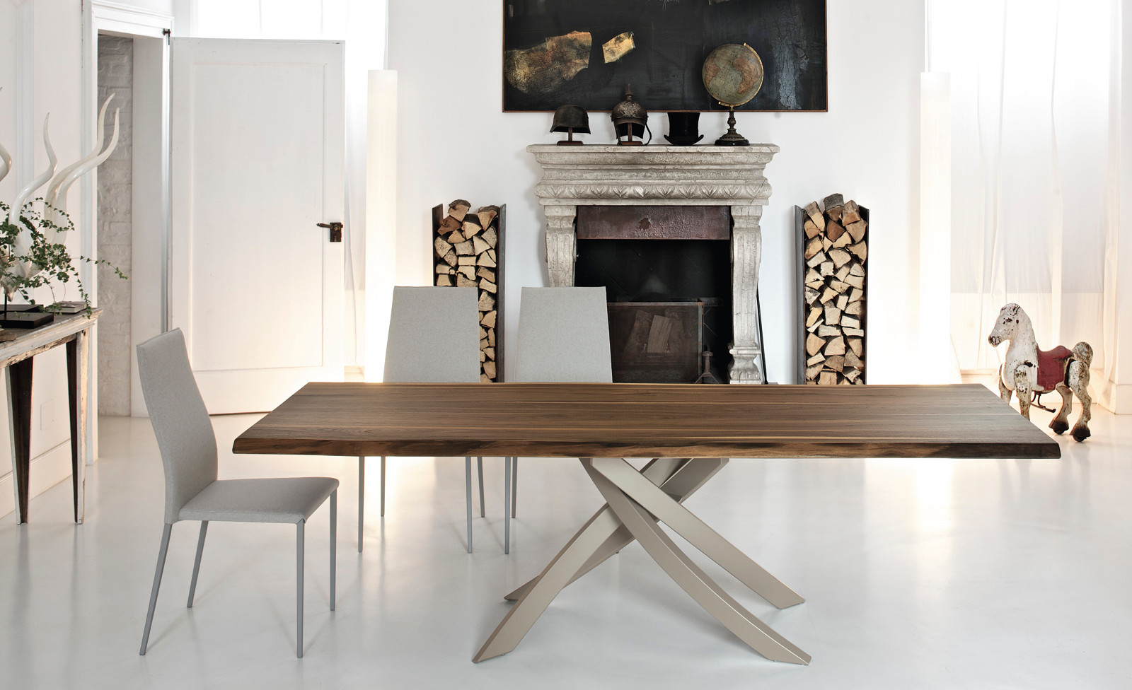 Artistico Table Wood Pic1