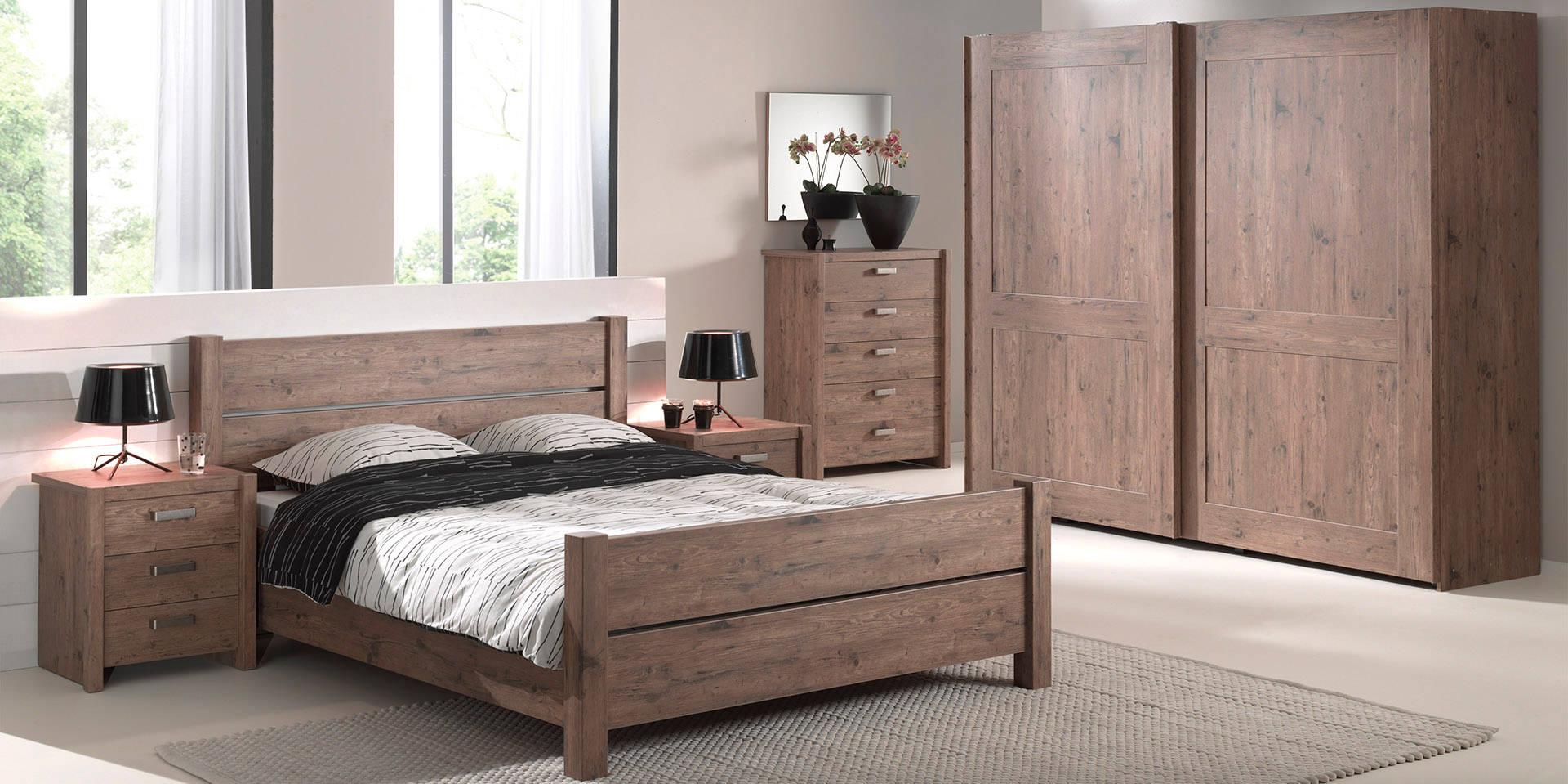 Iliana Pine Bedroom Pic2