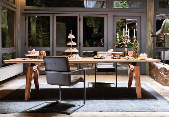 Sanford Table Pic1