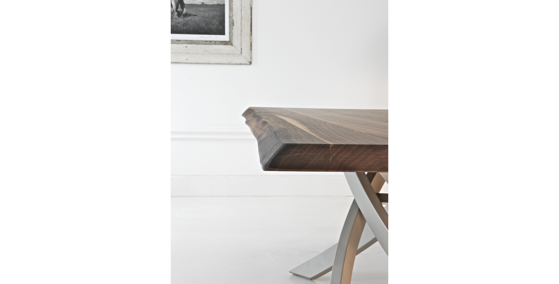 Artistico Table Wood Pic2