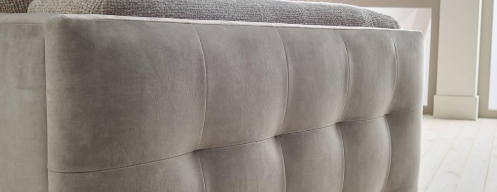 Sloan Sofa Pic3