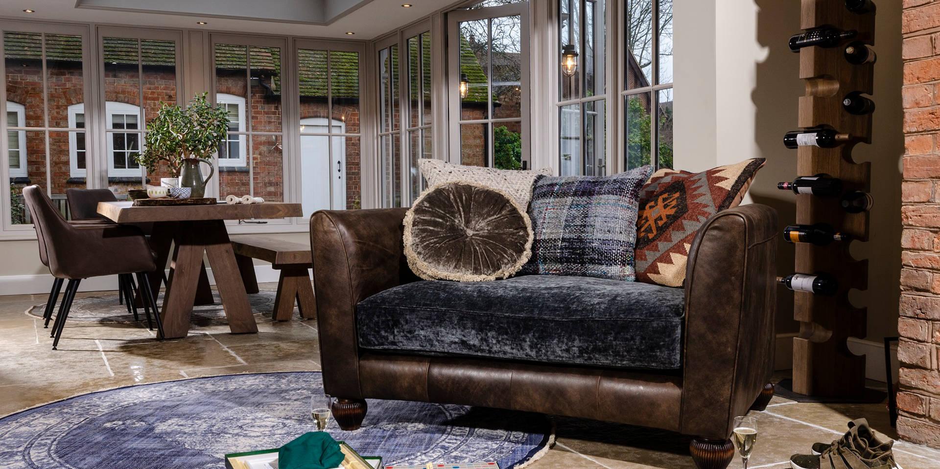 Lowry Sofa Pic2