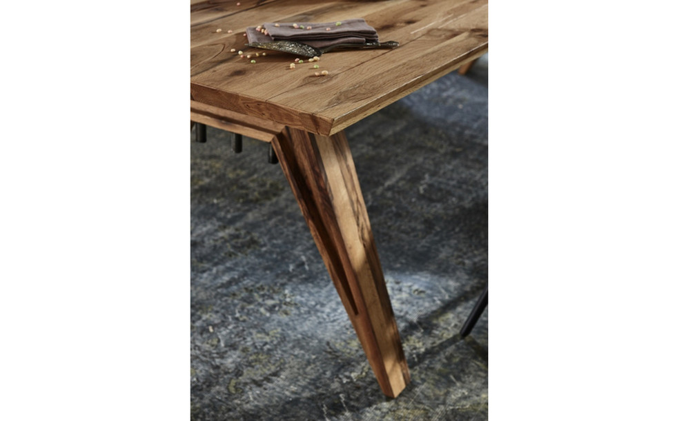 Sanford Table Pic11