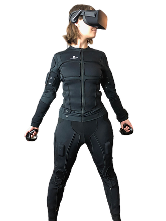 Tesalsuit%20Gwen_edited.png