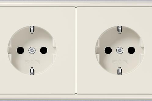 Две Розетки с заземляющими контактами в двойной рамке LS 990, Слоновая кость