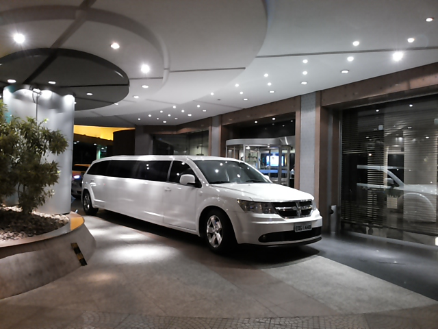 limousine dodge journey