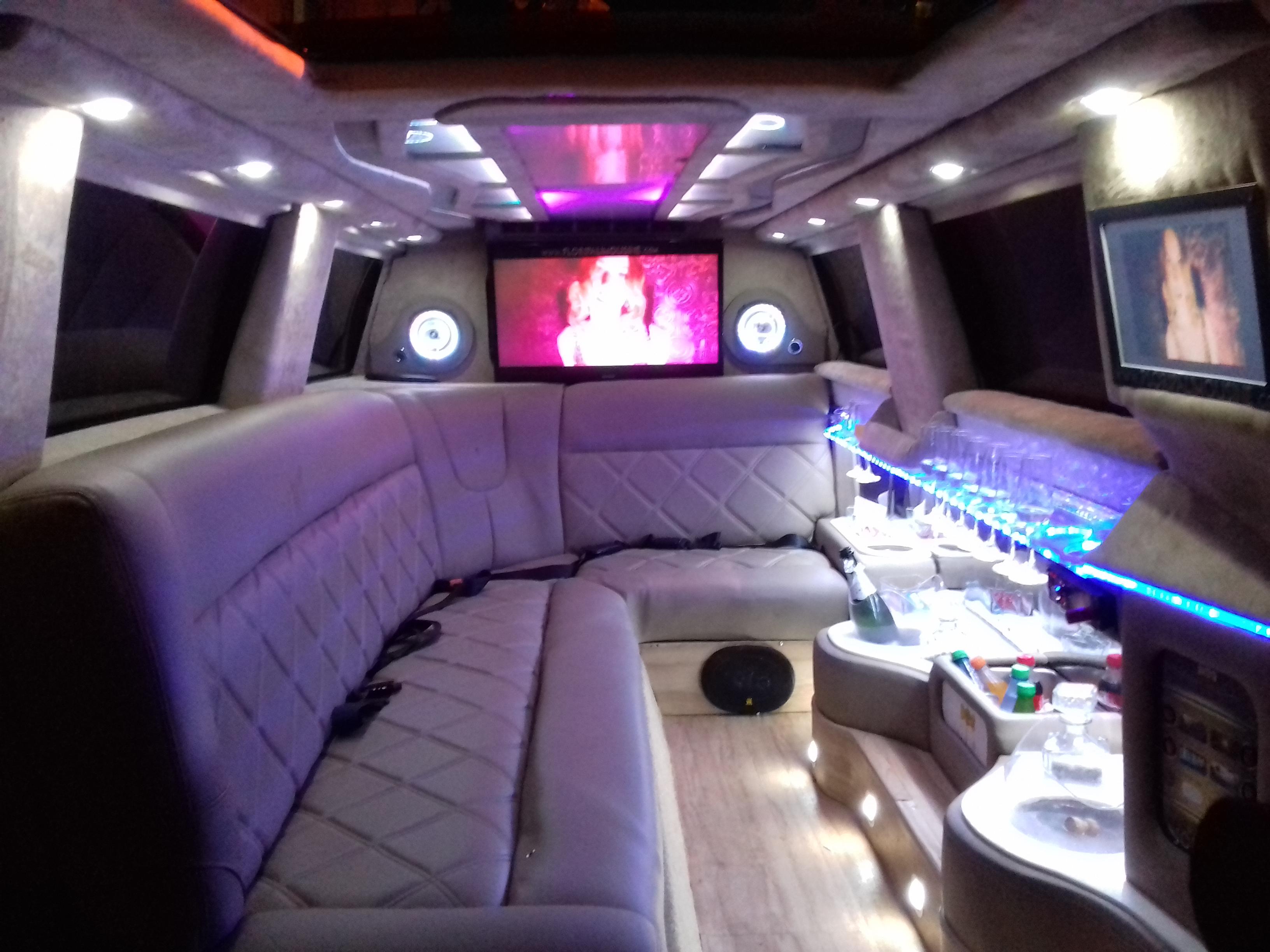 luxo dentro da limousine