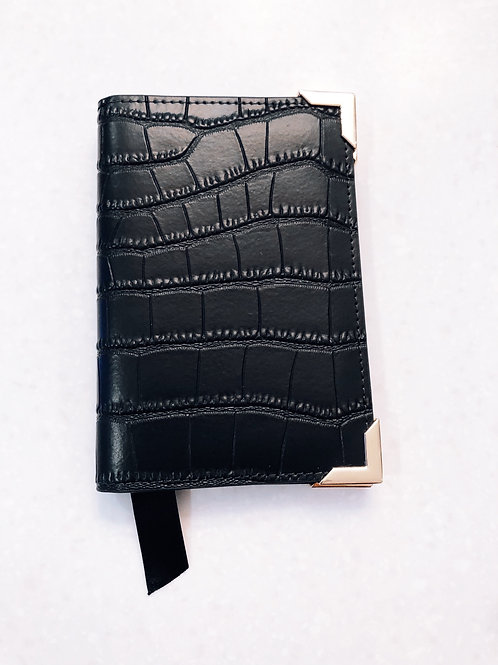 GENTLEMAN'S PASSPORT HOLDER
