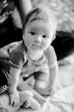 Kleinkind Foto schwarz-weiß