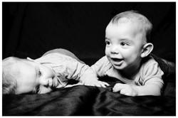 Zwillinge schwarz-weiß