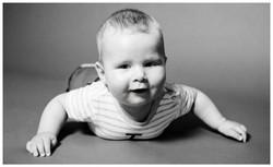 Baby-Portrait schwarz-weiß